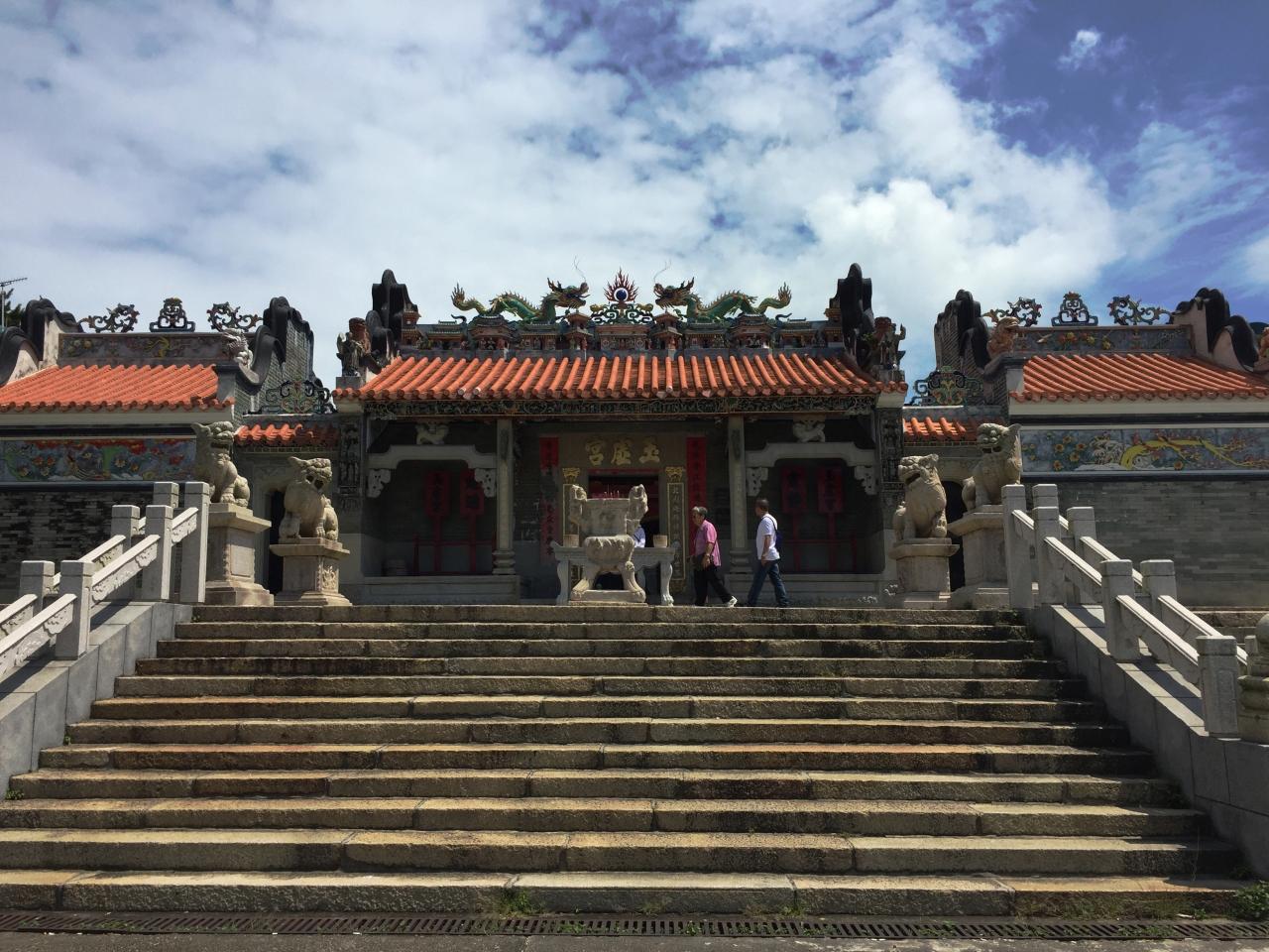香港 #AlreadyTomorrowInHongKong- Adventuring without a blue box-TARDIS   Cheung Chau- Yuk Hui Temple... Photographer @KevinJamesNg 2016